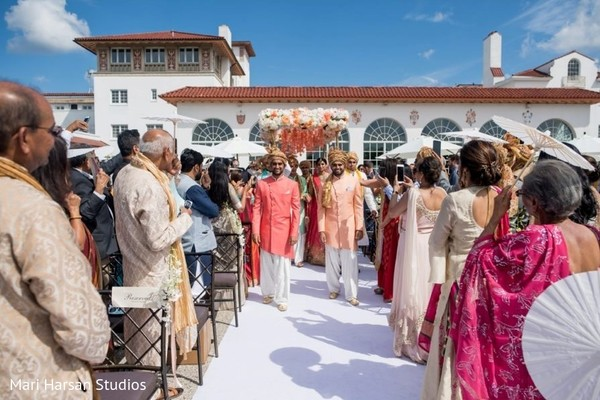 Incredible Indian wedding ceremony entrance.