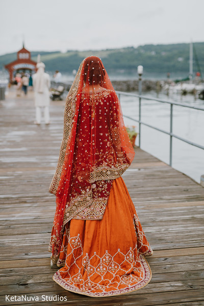 Take a look at this beautiful lengha.