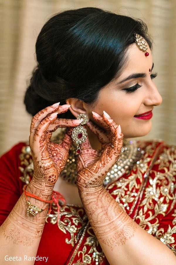 Gorgeous Maharani putting earrings on.