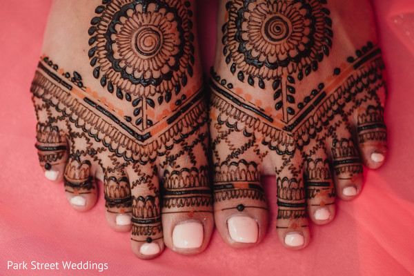 Indian bride's feet design.