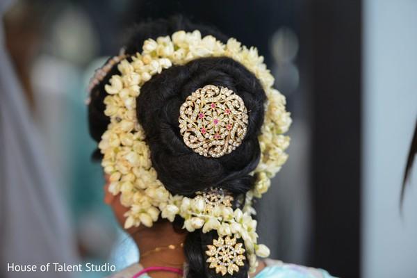 Maharani's hairstyle.