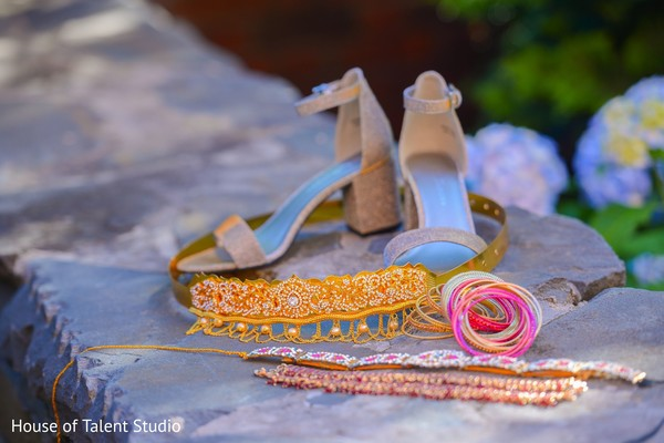 Indian bride''s shoes and jewelry.
