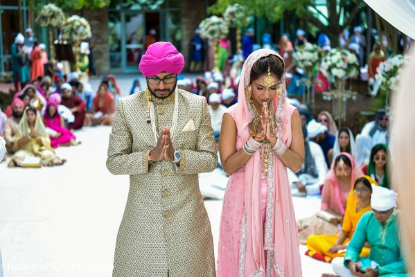 Incredible capture of Indian couple at ceremony.