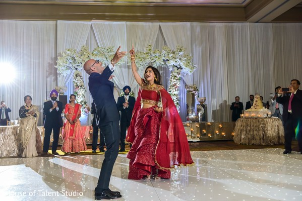 Phenomenal Indian couples dance.