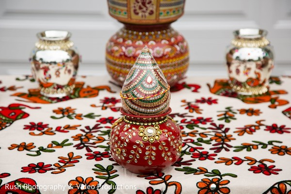 Marvelous Indian wedding ritual items capture.