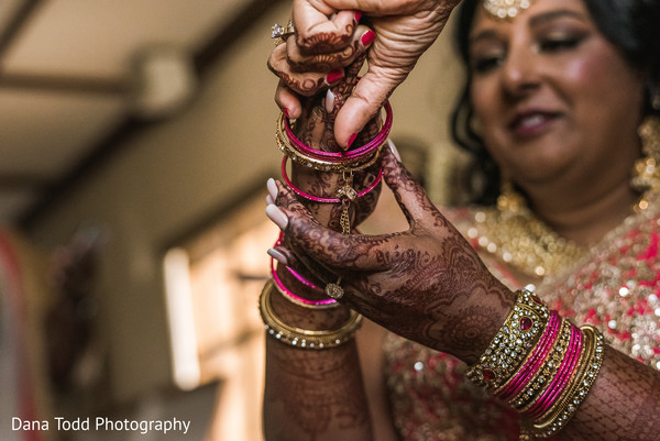 Indian bride wearing the jewelry.