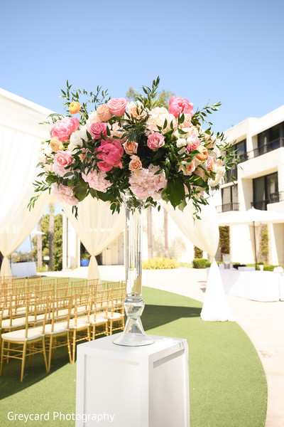 Impressive Indian wedding ceremony flowers decoration.