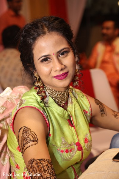 Stunning maharani during the mehndi party.