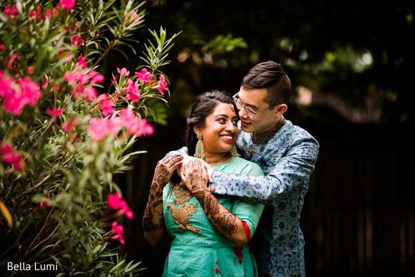 Enchanting indian lovebirds outdoor photo shoot