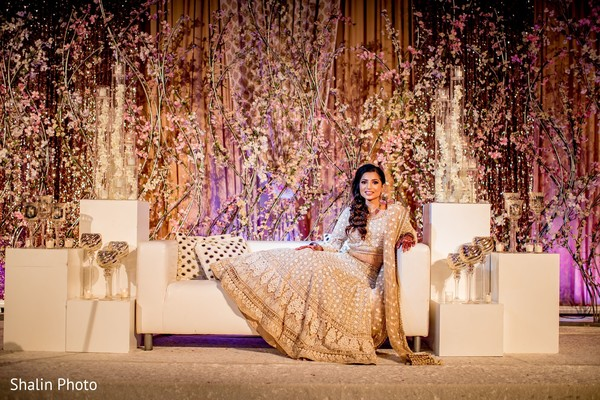 See this dazzling indian bridal photo session.