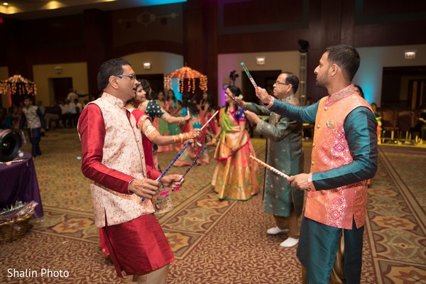 See this gorgeous Indian groom dancing at his sangeet party.