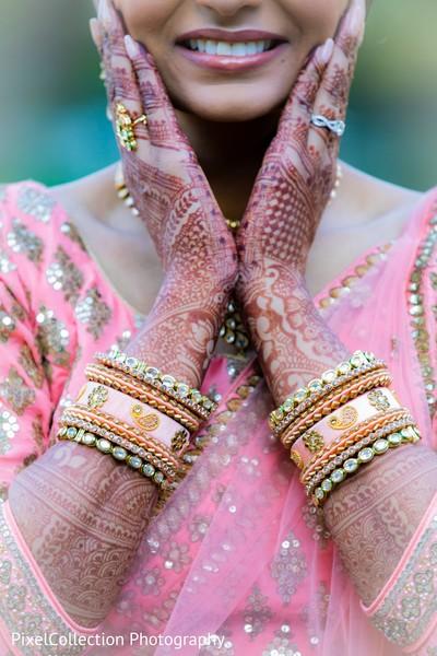 Phenomenal indian bangles and mehndi art capture