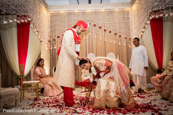 Lovely indian bride and groom ceremony photography
