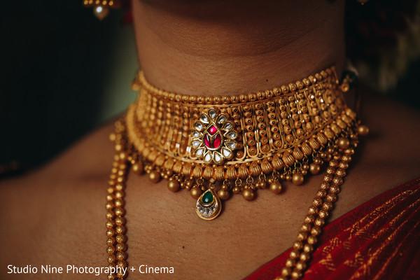 Beautiful indian bridal necklace capture