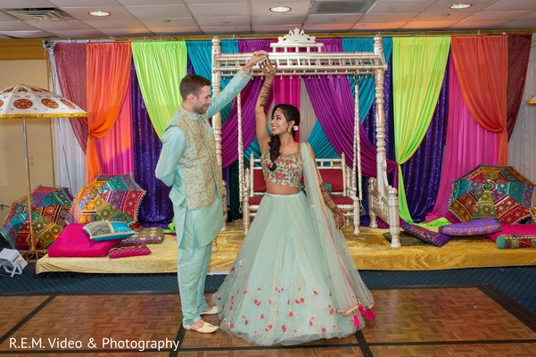 Incredible look for Indian couple's mehndi party outfits.