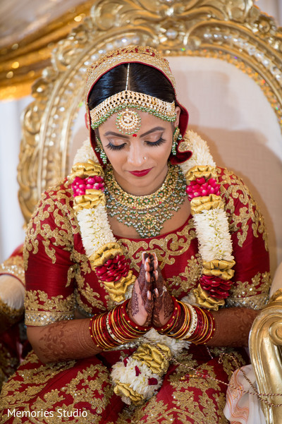Impressive indian bride's doli photography