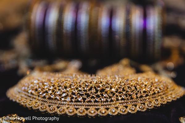 Stunning Indian bride polki necklace capture