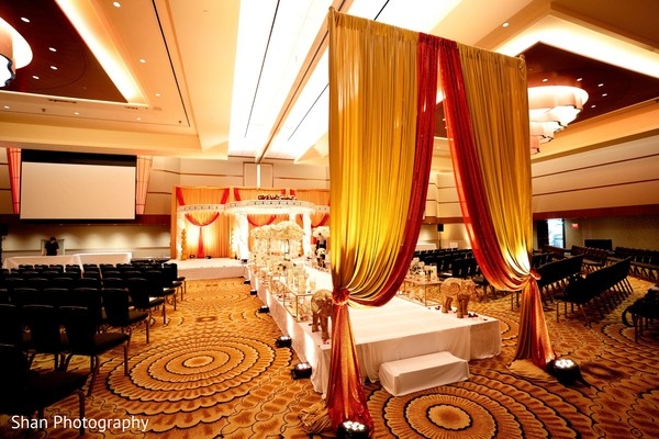 Magnificent Indian wedding ceremony aisle entrance.
