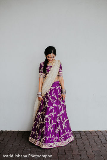 Indian bride wearing the gorgeous saree.