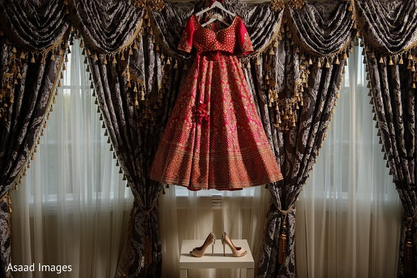 Indian bride's wedding ceremony outfit