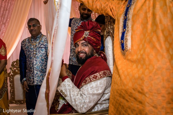 Indian groom waiting for the Maharani to arrive.