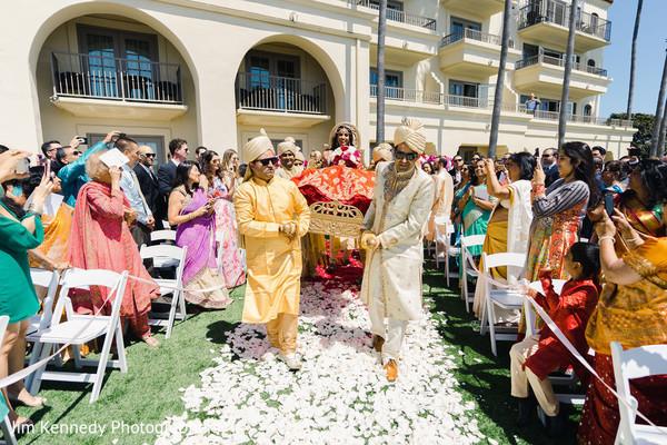 Maharani arriving to the hindu wedding ceremony.