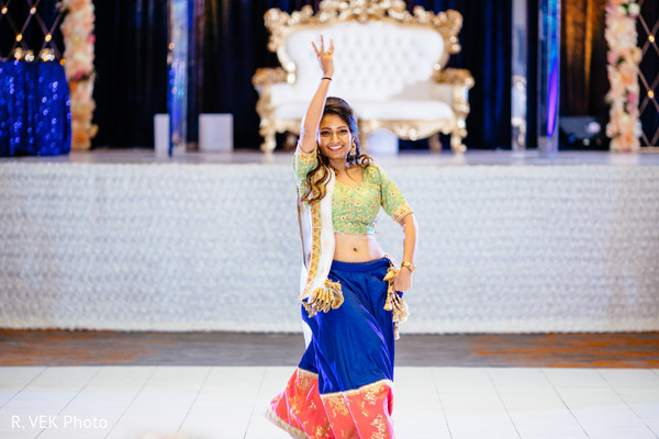 Dancer performing for the Indian newlyweds.
