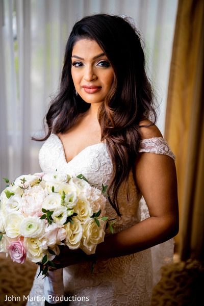 Maharani with dress and bouquet