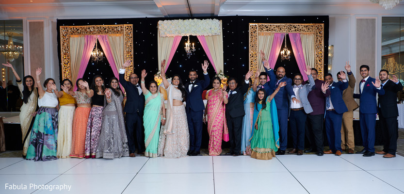 Take a look at the whole Hindu wedding party.