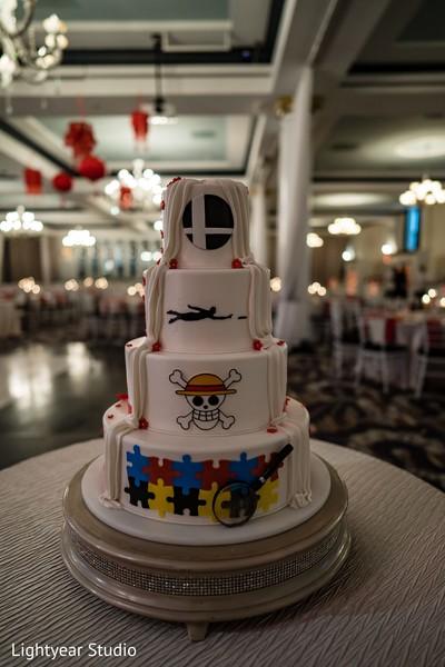 Indian Chinese wedding cake decoration.