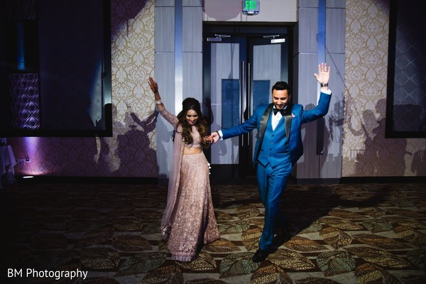 Indian groom and his Maharani arrival