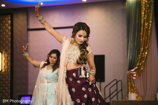 Maharani dancing with her Indian female relatives