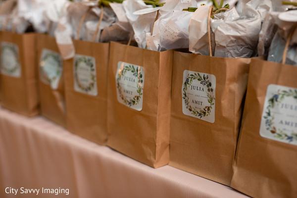 Brown paper favor bags capture.