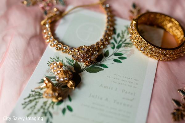 Yellow gold with diamonds Indian bridal kundan set.