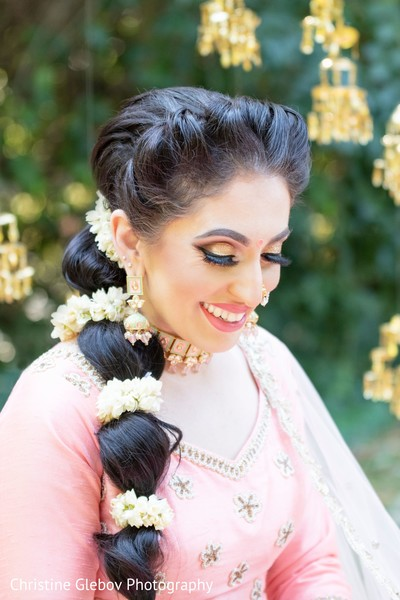 Floral details of Maharani's hair design for the ceremony.