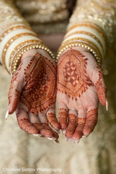 Henna art ideas for the Maharani look