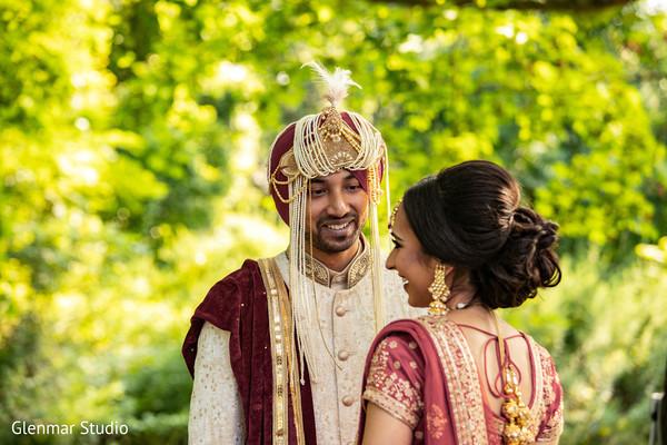 Indian groom staring at the Maharani outside.