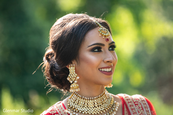 Indian bride's hair and makeup ideas.