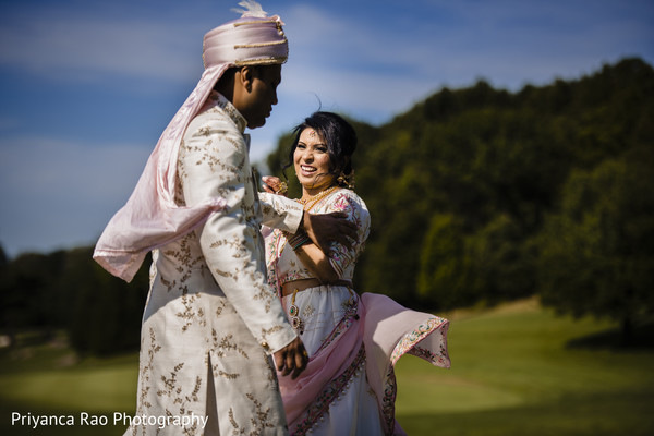 Maharani and Indian groom wearing the traditional outfits.