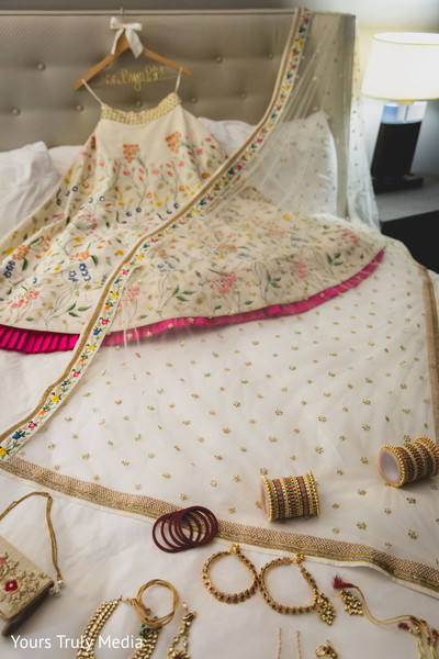 Skirt and jewelry to be worn by Maharani