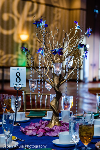 Table center decoration tree shaped.