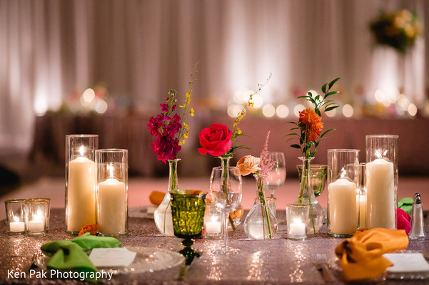 A close up to the table decorations in the hall