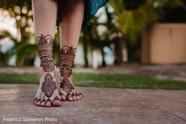 Feet Indian bridal mehndi art.
