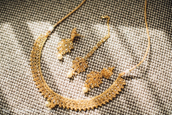 Indian bride's jewelry design.