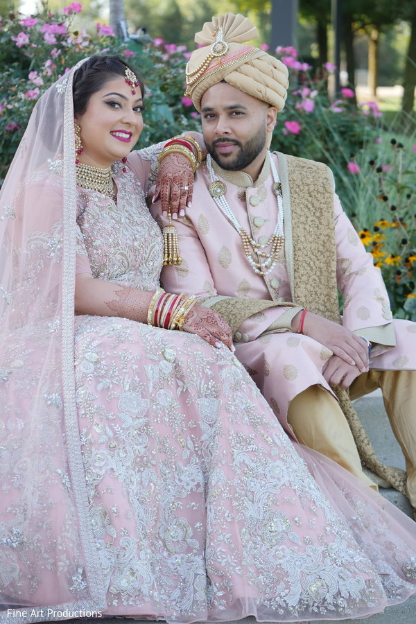 Portraits of the Indian couple during pictures.