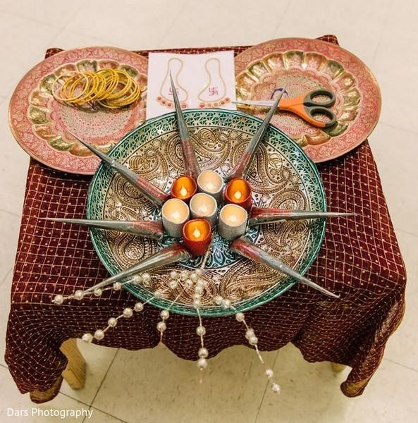 Mehndi party elements.