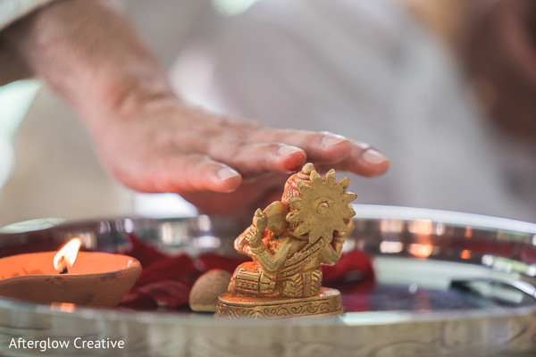Golden Indian small Ganesha Puja for rit