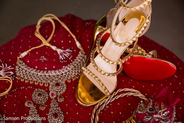 Jewelry and shoes to be used by the Indian bride