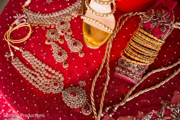 The accessories to be used by the Indian bride