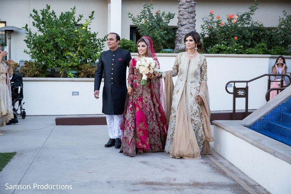 Maharani and her Indian relatives arriving at the wedding yard